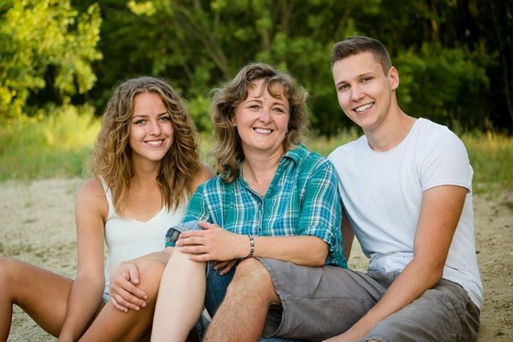 Family support addiction treatment for young adults